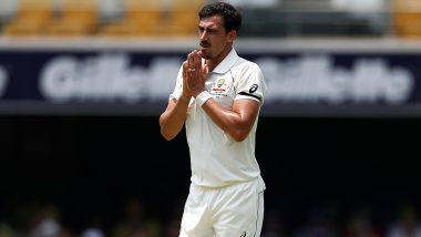 Mitchell Starc Hits Shan Masood With Lethal Pace During AUS vs PAK 1st Test 2019, Australian Pacer's  Menacing Smile to Injured Batsman Is Unmissable (Watch Video)