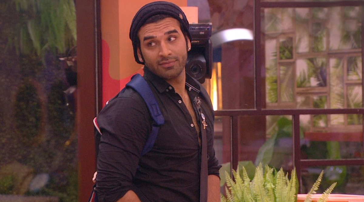 Bigg Boss 13: Paras Chhabra Gets Punished, Cleans and Polishes Dirty Shoes After Refusing to Go to Jail (See Pic)