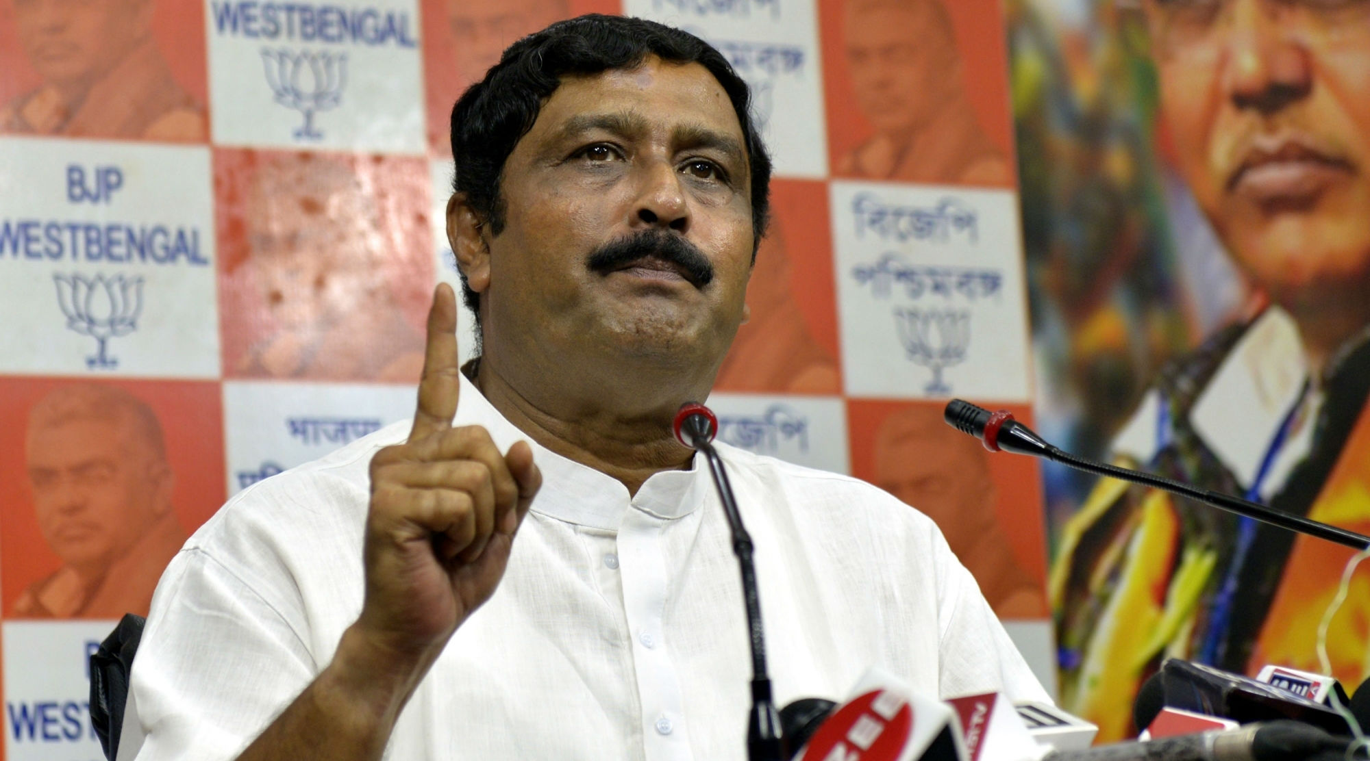 Citizenship Act Protests: If Violence Continues, Will Seek President's Rule in West Bengal, Says BJP Leader Rahul Sinha