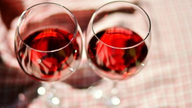 Why You Should Drink Red Wine: 5 Excellent Reasons to Guzzle It