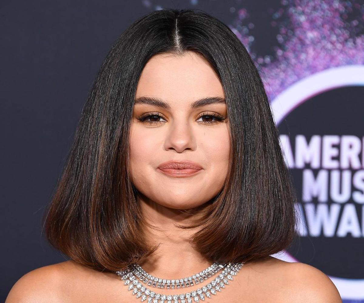 Selena Gomez's AMAs 2019 Look Decoded Dress, Diamonds, Heels and Makeup (5)