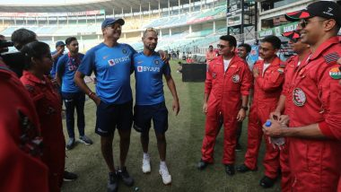 Shikhar Dhawan, Ravi Shastri & Other Team India Members Meet Indian Air Force Ahead of India vs Bangladesh 3rd T20I 2019 Match (View Pics)