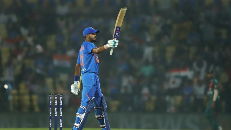 Shreyas Iyer Goes Slam-Bang, Hits Maiden T20I Fifty to Help India Post 174 Runs in Deciding 3rd T20I Match Against Bangladesh