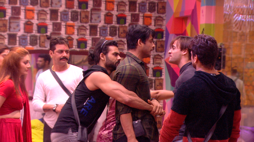 Bigg Boss 13: Sidharth Shukla's Fans Turn Racist, Call Asim Riaz A 'Terrorist' Forcing The Latter's Brother To File A Complaint With Cyber Police