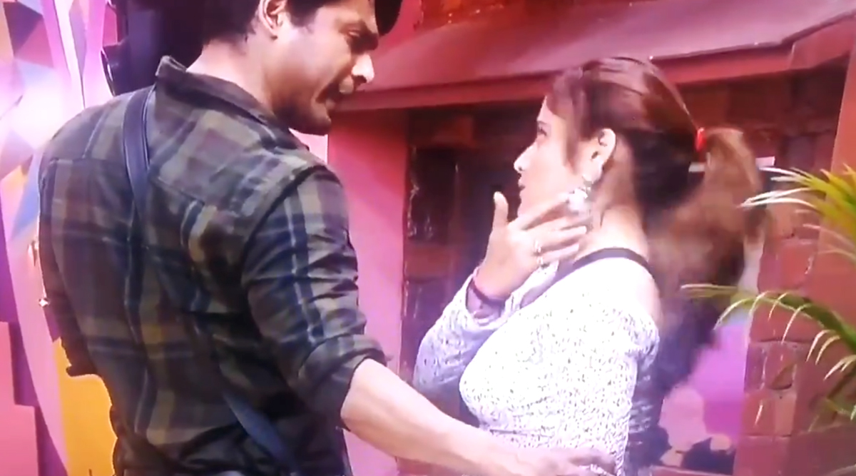 Bigg Boss 13: Is Sidharth Shukla to Be Blamed for Arti Singh's Anxiety Attack?