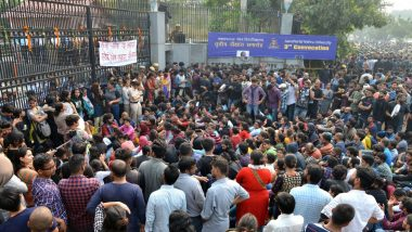 JNU Student Protests: High-Level Committee Recommends Partial Rollback of Fee Hike, Says Utility and Service Charge Can be Brought Down