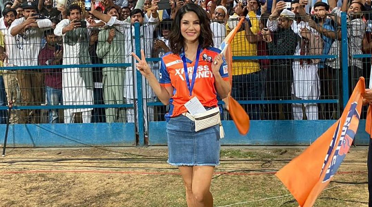 Sunny Leone Cheers For Abu Dhabi T10 League 2019 Team Delhi Bulls, Bollywood Diva Delighted by 'Surreal Experience' (Watch Video)