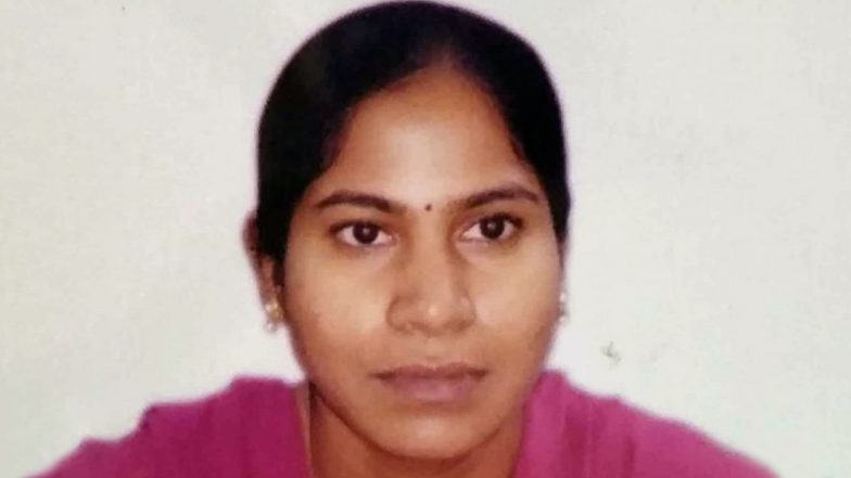 Telangana Shocker: Aggrieved Man Enters Abdullahpurmet Tehsidar's Office, Sets Her on Fire