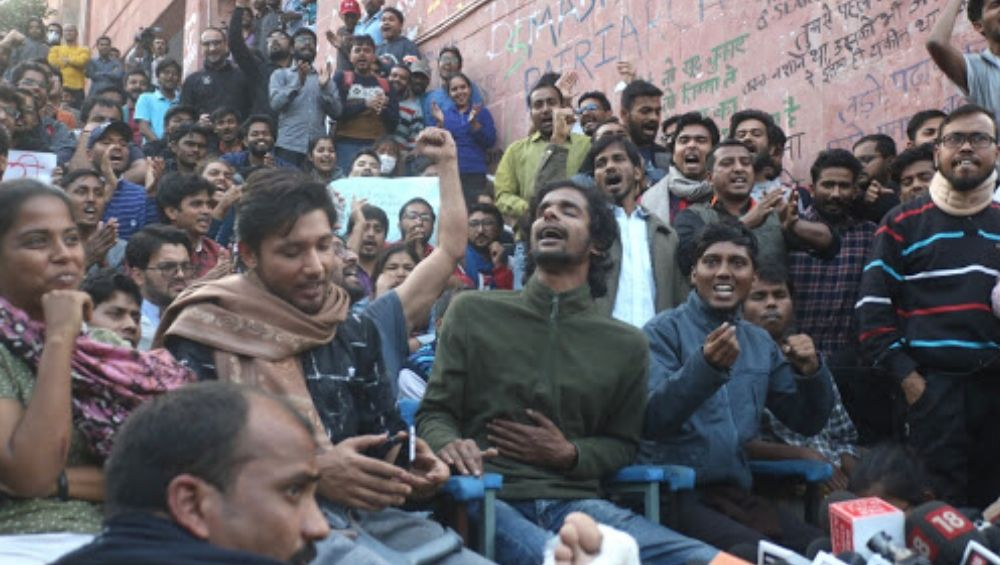 JNU Explains Rationale Behind Fee Hike, Says University Has a Deficit of  Rs 45 Crores, So 'Levying Service Charge is Necessary'