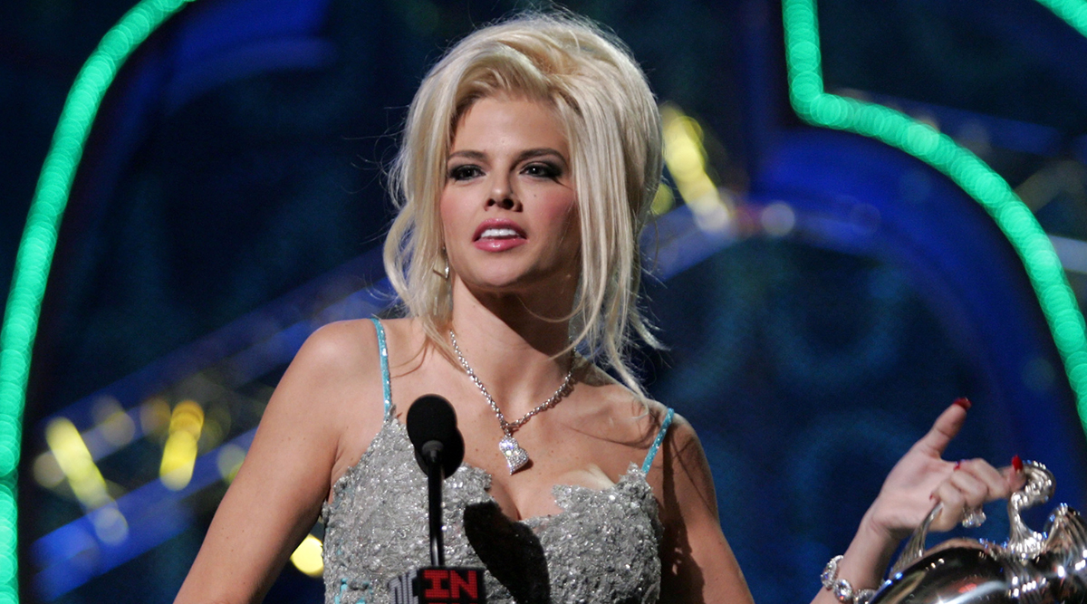 Anna Nicole Smith Birth Anniversary: From Model to Millionaire, All About the Rags-to-Riches Story of the Blonde Bombshell