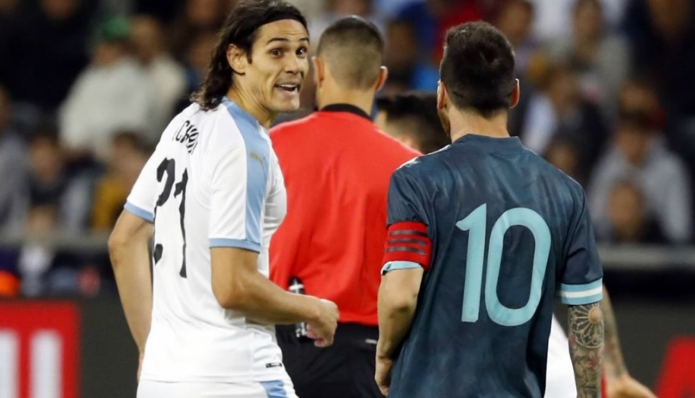 Lionel Messi Gets into a Heated Argument With Edinson Cavani During Argentina vs Uruguay International Friendly 2019 Match (Watch Video)