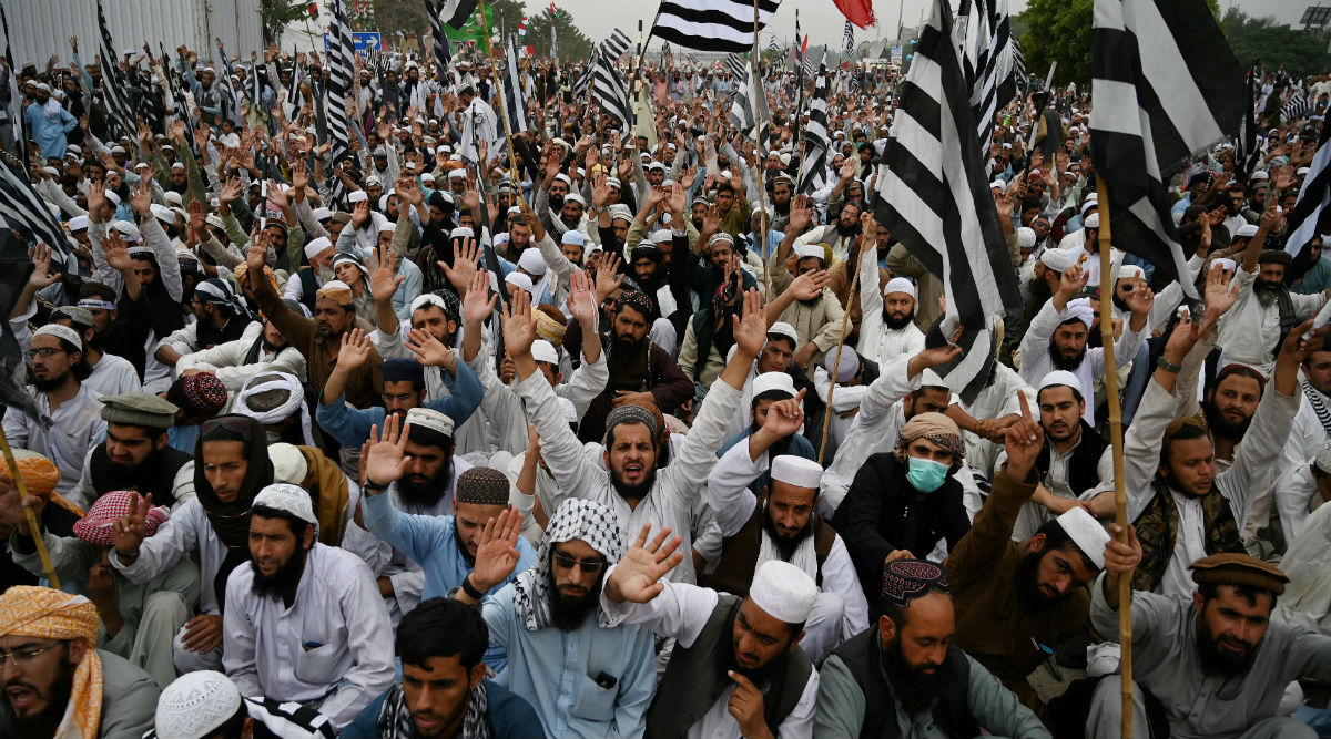 Pakistan: Thousands of Islamist Protesters, Demanding PM Imran Khan To Step Down, Converge on Islamabad
