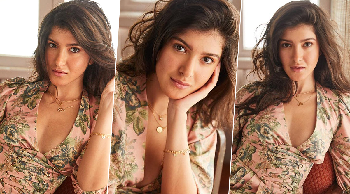 Shanaya Kapoor's Sultry Instagram Pictures are Making us Eager for her Bollywood Debut