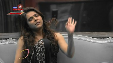 Bigg Boss 13 Episode 60 Sneak Peek 03   Madhurima Tuli and Arti Singh Fight Over 'Footage'