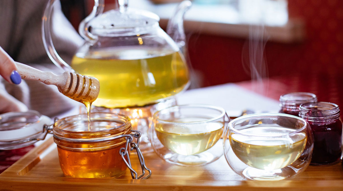 Home Remedy Of The Week: Honey Tea For a Healthy Winter! Try This Natural Remedy For Weight Loss, Cold, Flu and Sore Throat