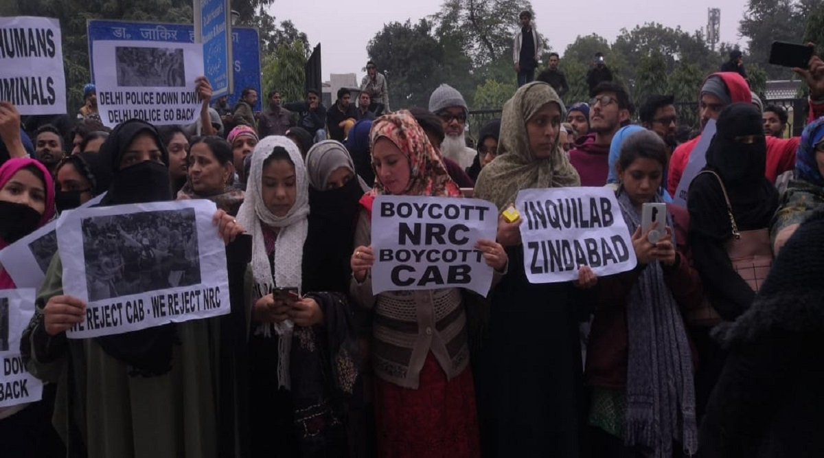 Mumbai Bagh Anti-CAA Protester Claims Police Served Him Notice By Posing as Deliveryman