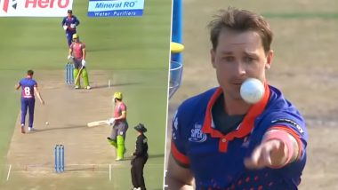 AB de Villiers and Dale Steyn Engage in Hilarious Banter During Cape Town Blitz vs Tshwane Spartans Clash in Mzansi Super League 2019 (Watch Video)