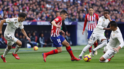 Real Madrid vs Atletico Madrid Supercopa de Espana 2020 Final Live Streaming Online: Get Free Telecast Details of RM vs ATL Football Match on TV With Time in India