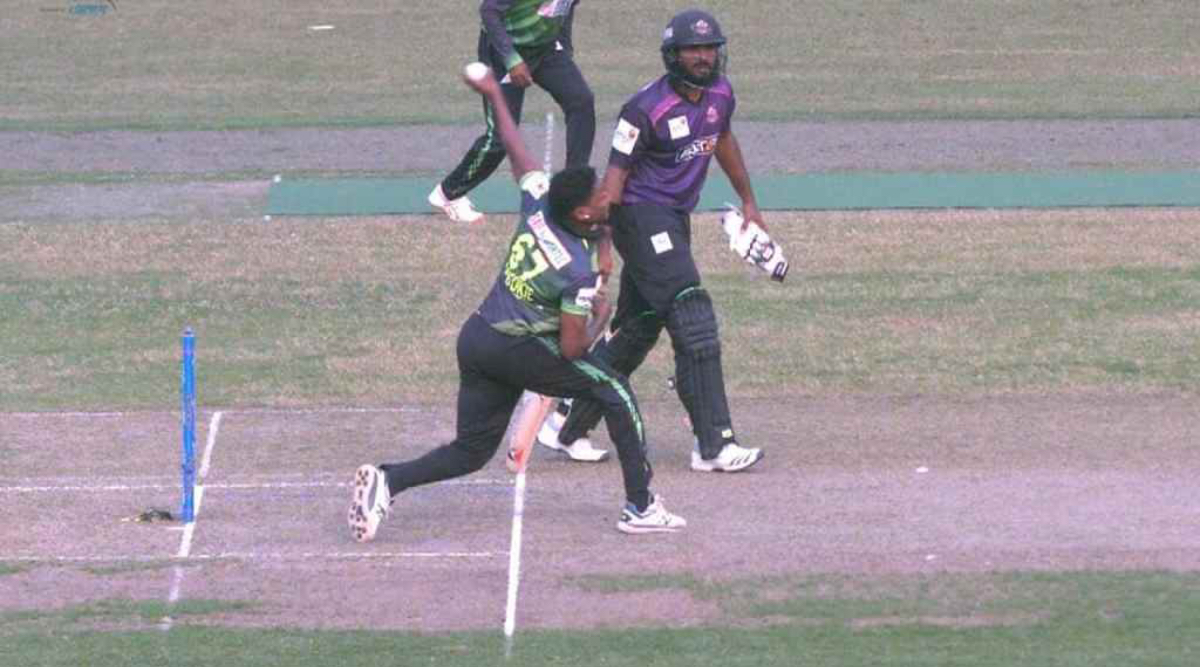 Match-Fixing in BPL T20? Fans Allege Spot-Fixing After Krishmar Santokie Bowls Shady No-Ball and Wide During Chattogram Challengers vs Sylhet Thunder Game