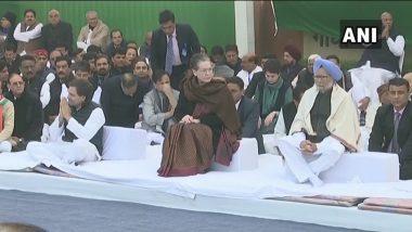 Sonia, Priyanka, Rahul Gandhi, Manmohan Singh and Other Top Congress Leaders Sit on 'Satyagraha' at Rajghat