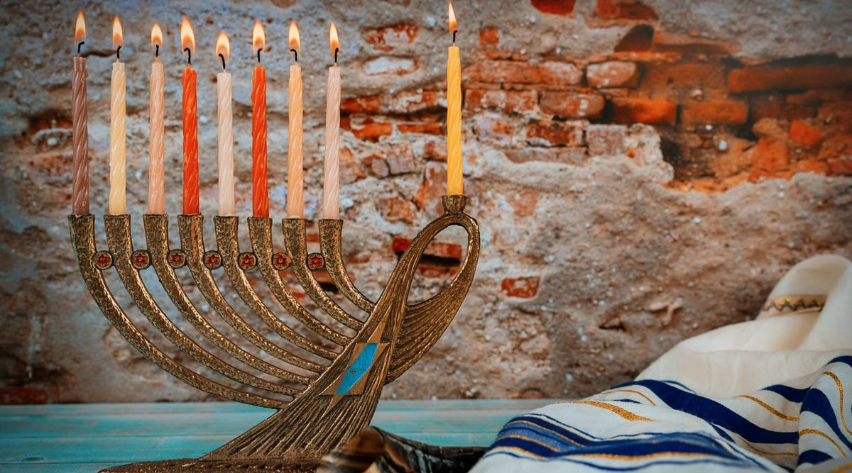 Happy Hanukkah 2019 Wishes & Images: People Take to Twitter to Celebrate the First Night of Jewish Festival of Lights