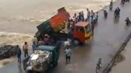 Tamil Nadu: Sanitation Workers Illegally Dump Garbage in Vellar River at Thittakudi, Video Goes Viral