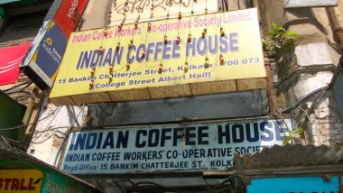 Onion Price Rise: Kolkata's Iconic Indian Coffee House Halts Serving Famous Onion Pakoda, Says Waiting For Rates to Come Down Below Rs 100/KG
