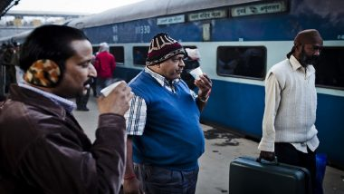 Good News for Rail Travellers! Indian Railways Allows E-Catering Services in Trains, Railrestro Set To Deliver Food