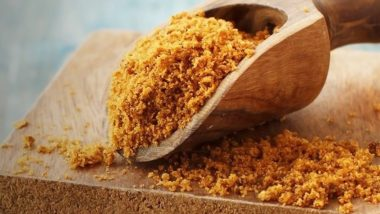 Home Remedy of the Week: Use Jaggery (Gur) to Soothe Sore Throat and Fight Other Winter Diseases