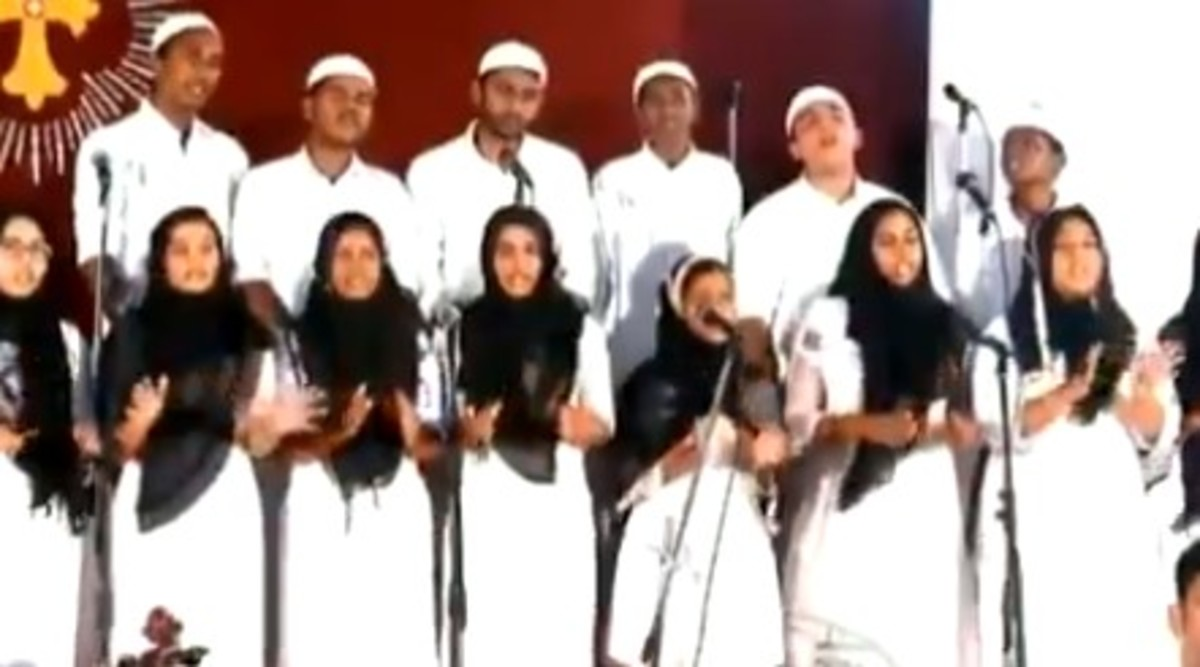 Kerala Church Choir Dress Up in Skull Caps And Hijabs to Protest CAA; Watch Video