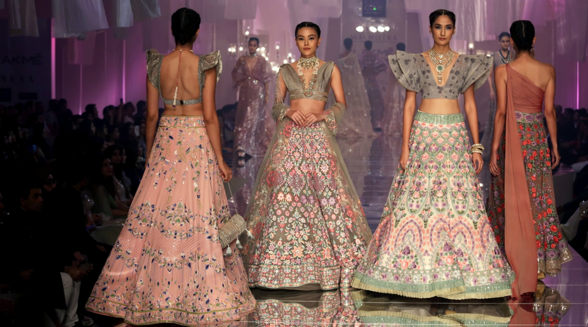 Lakme Fashion Week 2020 Summer Resort Dates Announced Lfw 2 0 Edition Will Celebrate Fashion Show S 20th Year Anniversary Latestly