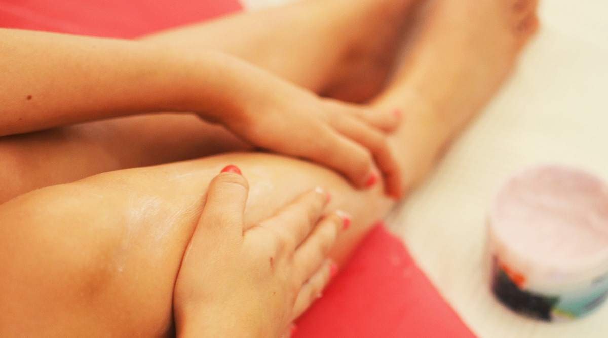Home Remedy Of The Week: Epsom Salt Foot Scrub and Soaking Methods To Get Rid Of Cracked Heels