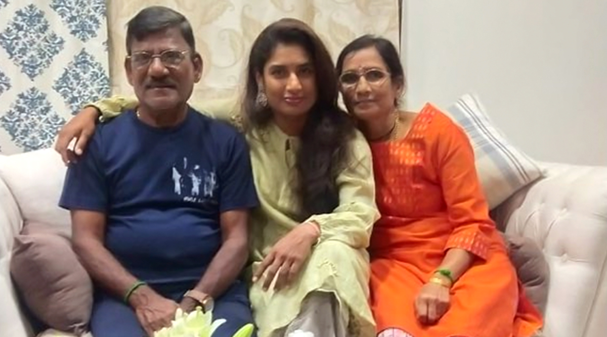 Mithali Raj Celebrates 37th Birthday at Home With Parents, Thanks Fans For Wishes and Love (See Post)