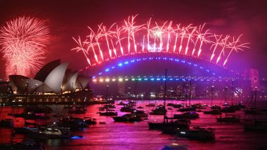 Australia Rings in New Year with Glittering Fireworks at Sydney Harbour Bridge (Watch Video)