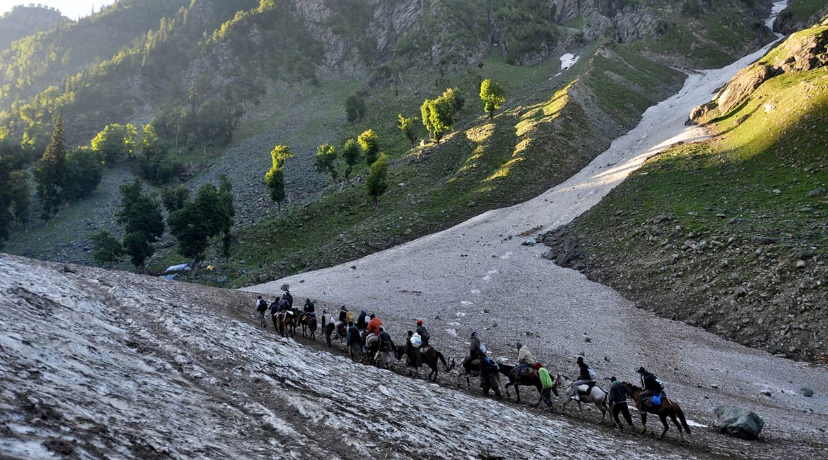 Amarnath Yatra 2019: Pilgrim Count Rises by 20% As Compared to 2018, 3.42 Lakh Devotees Perform Yatra Despite Terror Fear, Bad Weather