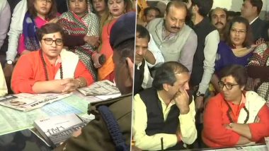 Pragya Singh Thakur Sits on Dharna Outside Police Station in Bhopal, Demands Filing of Complaint Against Congress' Govardhan Dangi