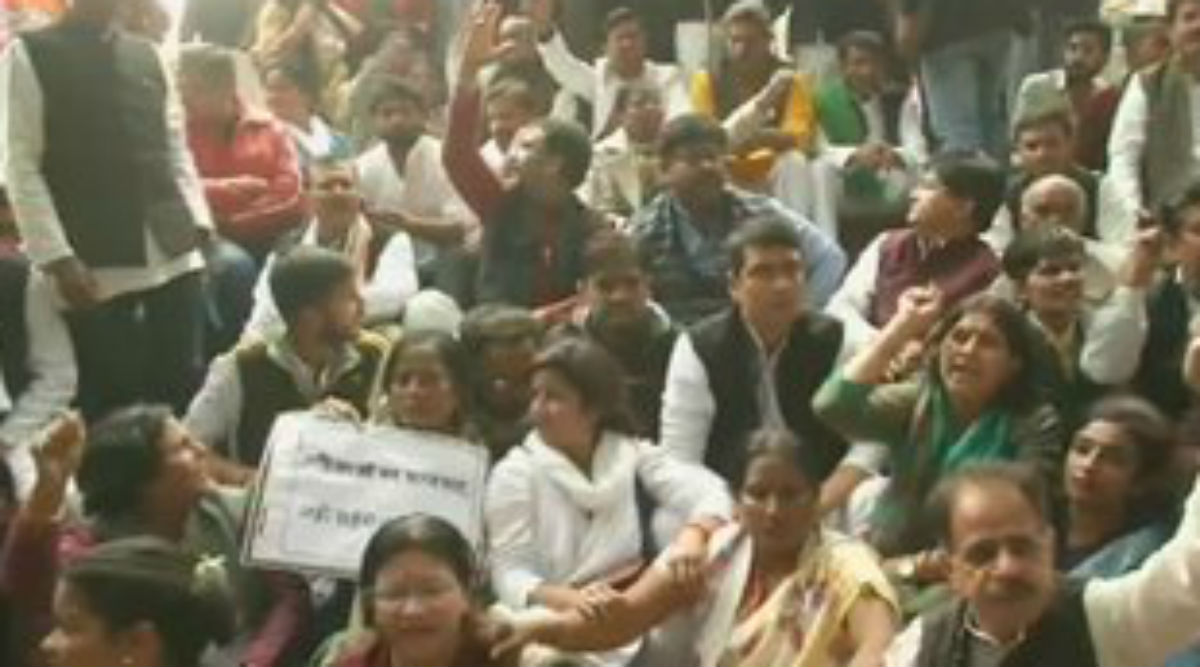Unnao Rape-Murder: Uttar Pradesh Ministers Face Angry Protest as They Visit Victim's Family