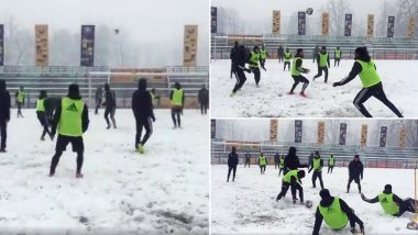 Real Kashmir FC Players Train Amidst Heavy Snowfall at TRC Turf Ground in Srinagar (Watch Video)