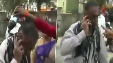 Shiv Sena Worker Pours Ink on Man For Criticising Uddhav Thackeray on Social Media Days After Aaditya Thackeray's 'Ignore Trolls' Advice, Watch Video