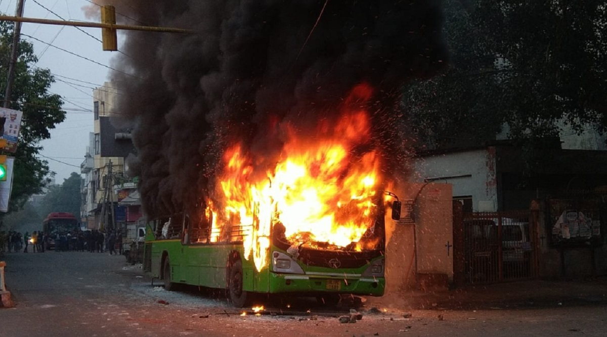 Delhi: Anti-Citizenship Law Protesters Set Fire on Buses and Two-Wheelers, Jamia Millia Islamia Students Blamed