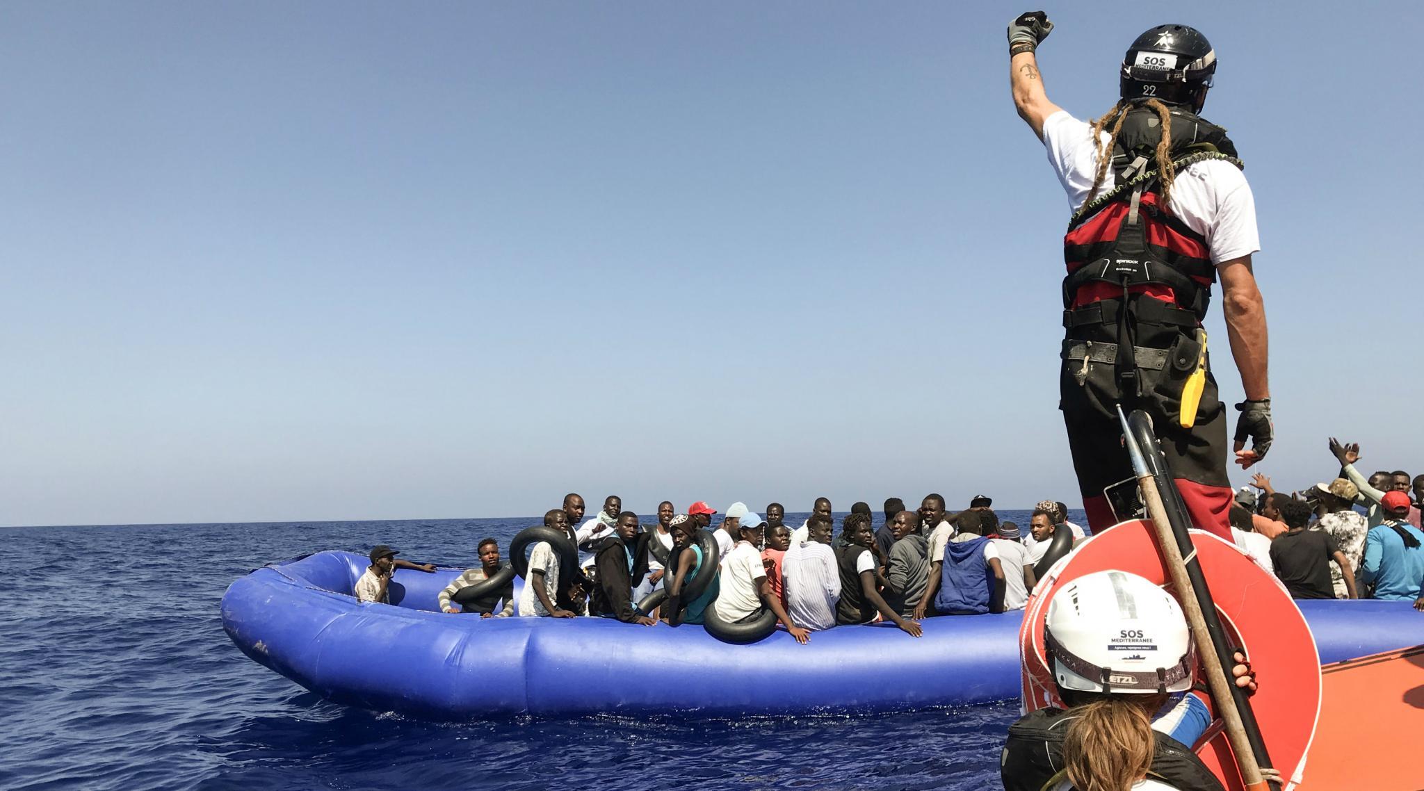 Spain's Coastguard Saves 200 Migrants Crossing Mediterranean Sea on Christmas Day