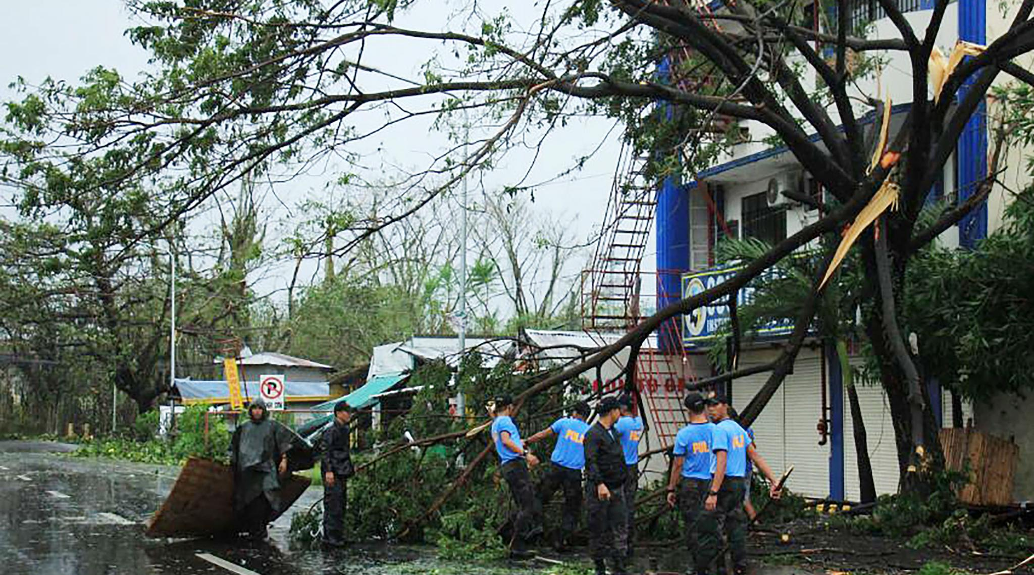 Typhoon Kammuri Makes Landfall in Philippines, Forces Manila Airport Closure After Thousands Flee
