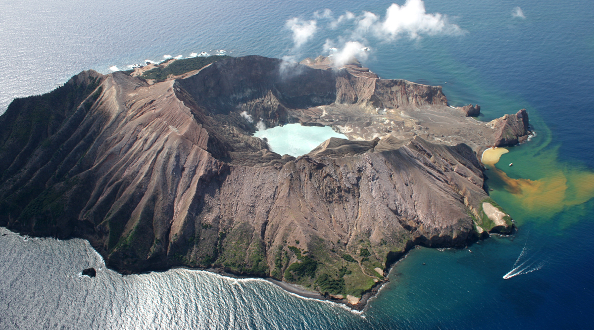 White Island Volcanic Eruption: New Zealand Set to Begin Search For Dead Bodies in Dangerous Mission