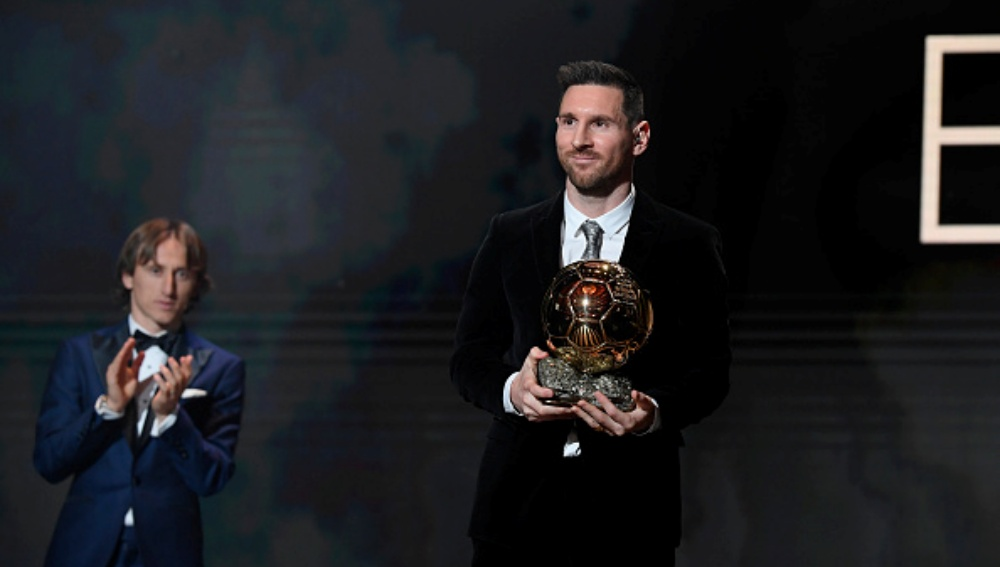 Lionel Messi Wins Ballon d'Or 2019, Beats Virgil van Dijk & Cristiano Ronaldo to Take Away the Honour for Sixth Time (Watch Videos)