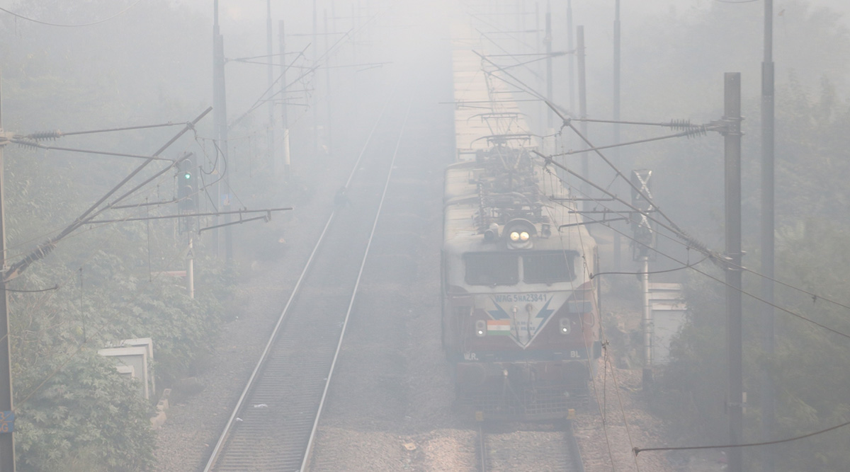 North India Fog: Railway Services Affected, 21 Delhi-Bound Trains Delayed Due to Low Visibility