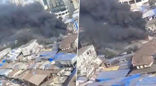 Mumbai Fire: Massive Blaze Engulfs Shanties Behind City Centre Mall in Mumbai Central; Watch Video