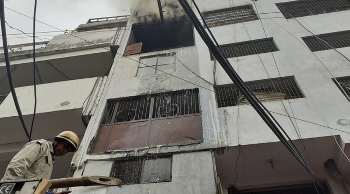 Delhi Fire: Massive Blaze Breaks Out at Shoe Manufacturing Factory at Lawrence Road, 26 Fire Tenders at Spot