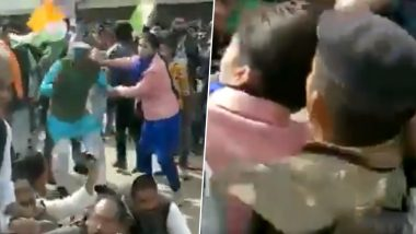Madhya Pradesh: Pro-CAA Protester Pulls Hair of Rajgarh Deputy Collector After She Hit BJP Workers (Watch Video)