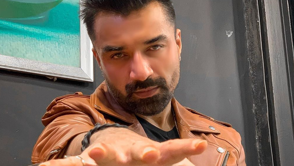 Bigg Boss 13: Former Contestant Ajaz Khan Wants Salman Khan To Throw Madhurima Tuli Out Of The House, Will He?