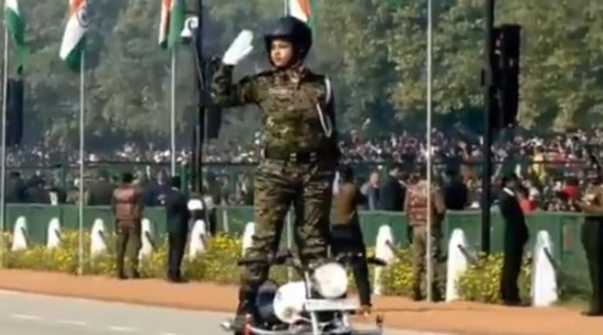 Republic Day Parade 2020: CRPF Women Bikers Debut With Daredevilry at R-Day Parade, Watch Video
